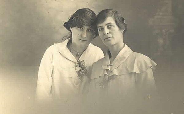lucy and emily laurence